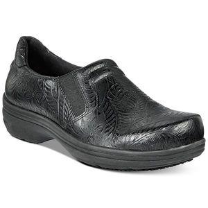 Easy Street Black Embossed Comfort Work Shoes 8.5